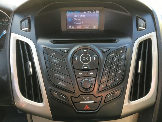 2012 Ford Focus SEL Seadn in Gower Missouri, 64454