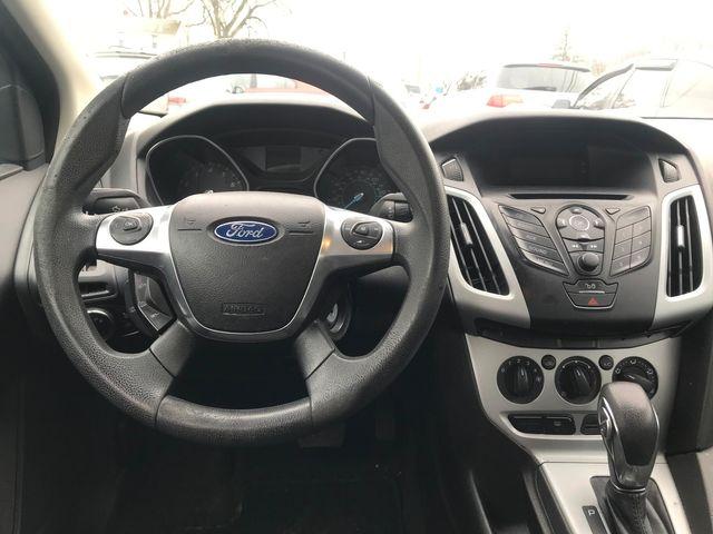 2012 Ford Focus SE Ravenna, Ohio 8