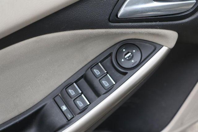 2012 Ford Focus SEL Santa Clarita, CA 28