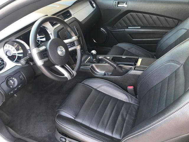 2012 Ford Mustang V6 Premium w/20's**Leather**V6**22 Service Records in Plano Texas, 75074