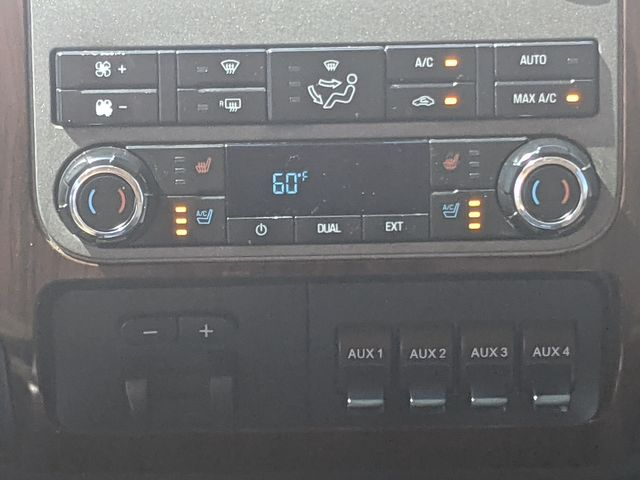 2012 Ford Super Duty F-250 Pickup Lariat in Pleasanton, TX 78064
