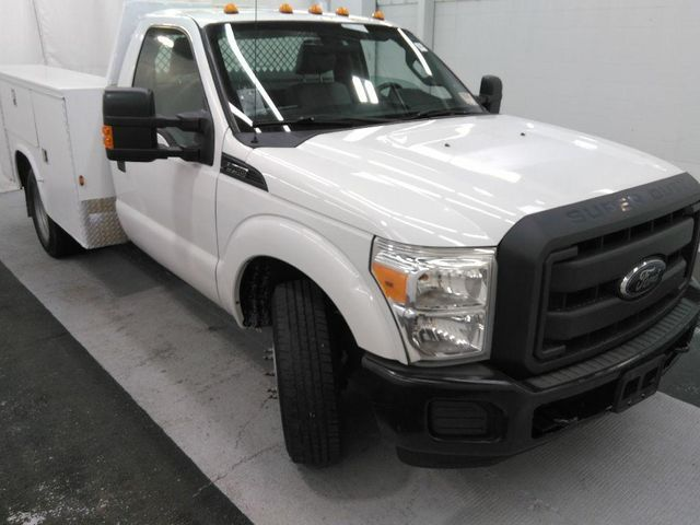 2012 Ford Super Duty F-350 DRW Chassis Cab XL in St. Louis, MO 63043