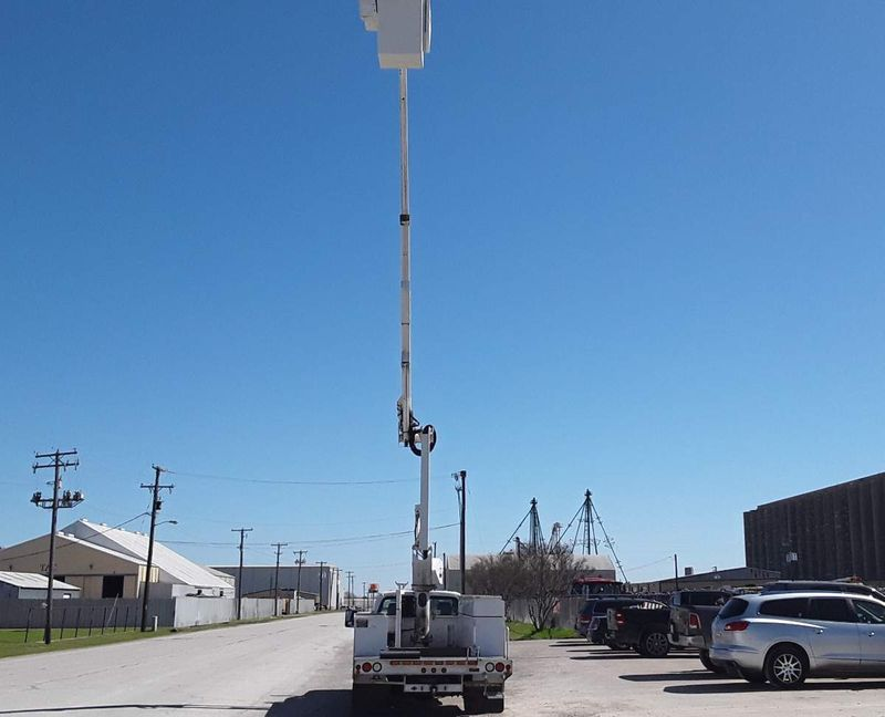 2012 Ford F550 67 PWR STROKE 43FT ALTEC BOOM SYSTEM AC AUTO BUCKET TRUCK  city TX  North Texas Equipment  in Fort Worth, TX