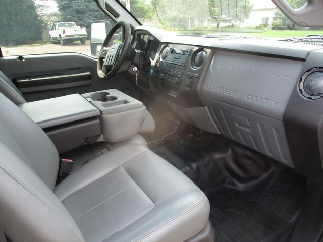 2012 Ford Super Duty F-550 DRW Chassis Cab XL Lake In The Hills, IL 23