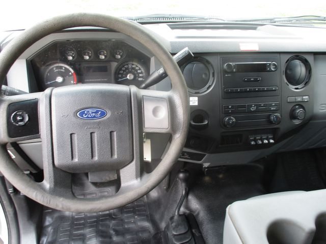 2012 Ford Super Duty F-550 DRW Chassis Cab XL Lake In The Hills, IL 28