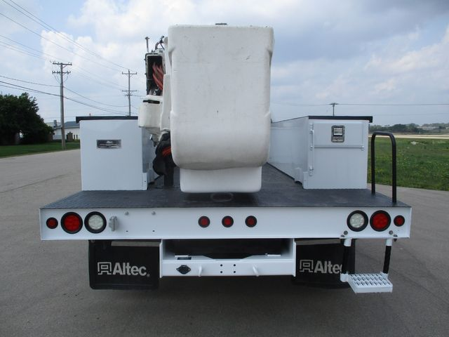 2012 Ford Super Duty F-550 DRW Chassis Cab XL Lake In The Hills, IL 3