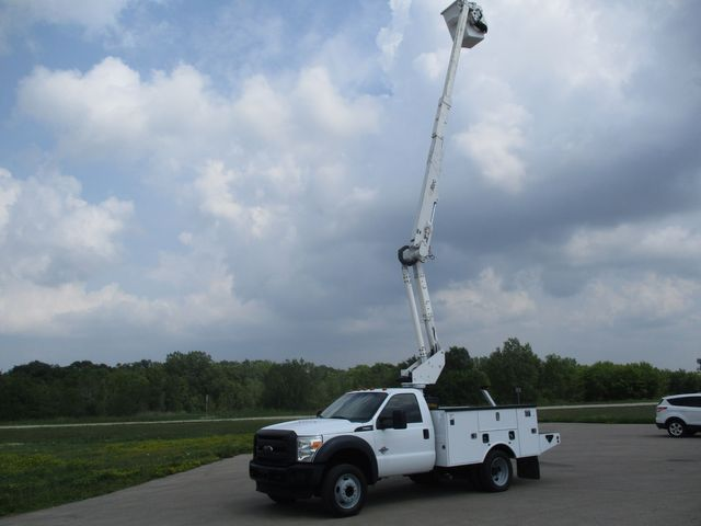 2012 Ford Super Duty F-550 DRW Chassis Cab XL Lake In The Hills, IL 33