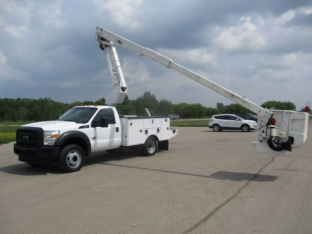 2012 Ford Super Duty F-550 DRW Chassis Cab XL Lake In The Hills, IL 34