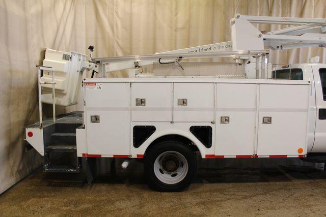 2012 Ford Super Duty F-550 Utility Bucket Truck XL in Roscoe, IL 61073