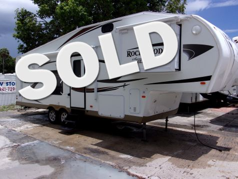 2012 Forest River SIGNATURE ULTRA LITE 8280 WS 1/2 TON TOWABLE in Palmetto, FL