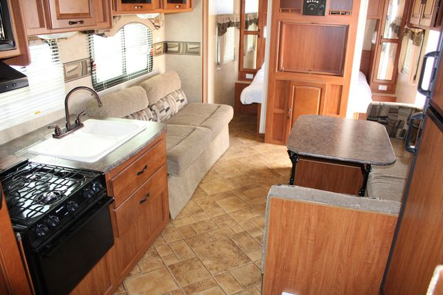 2012 Forest River Surveyor 280 in Roscoe, IL 61073