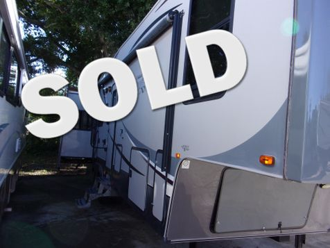 2012 Forest River Wildcat 32RL in Palmetto, FL