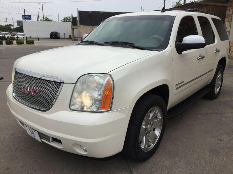 2012 GMC Yukon SLT  Brownsville TX  English Motors  in Brownsville, TX
