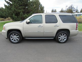 2012 GMC Yukon Denali AWD ONLY 48K MILES! Bend, Oregon 1