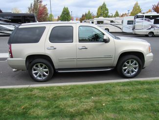 2012 GMC Yukon Denali AWD ONLY 48K MILES! Bend, Oregon 3