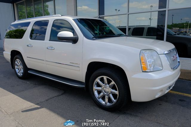 2012 GMC Yukon XL Denali NAVIGATION SUNROOF LEATHER Rear dvd in Memphis, Tennessee 38115