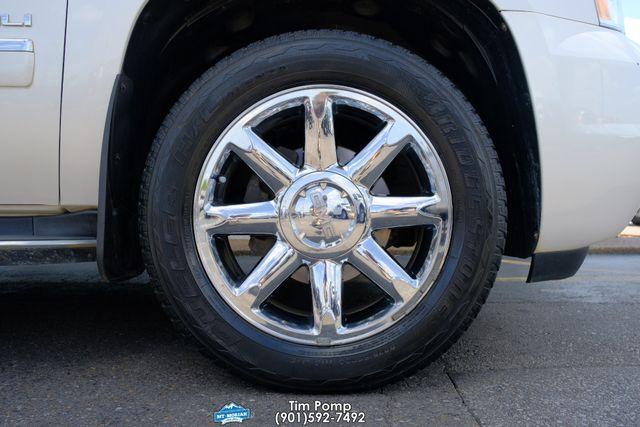 2012 GMC Yukon XL Denali NAVIGATION SUNROOF LEATHER Rear dvd in Memphis, Tennessee 38115