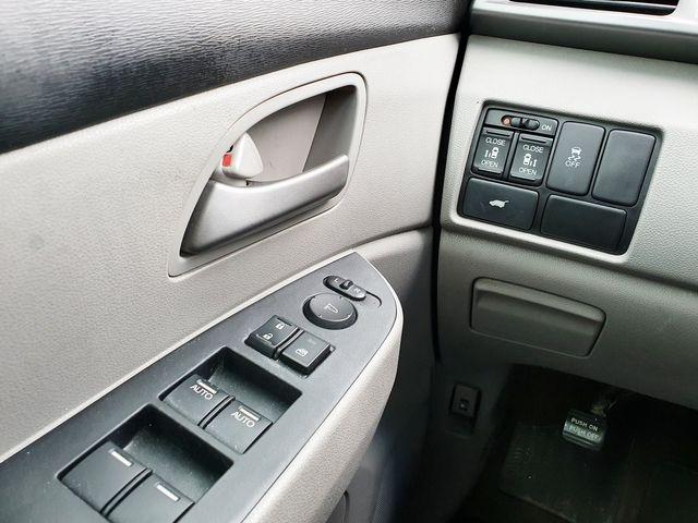 2012 Honda Odyssey EX-L w/Leather/Sunroof 8-Passanger in Louisville, TN 37777
