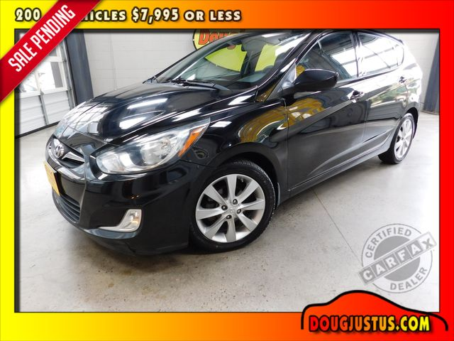 2012 Hyundai Accent 5-Door SE