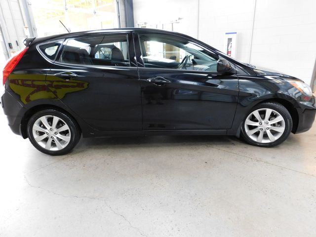2012 Hyundai Accent 5-Door SE in Airport Motor Mile ( Metro Knoxville ), TN 37777