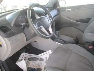 2012 Hyundai Accent 5-Door GS Gardena, California 4