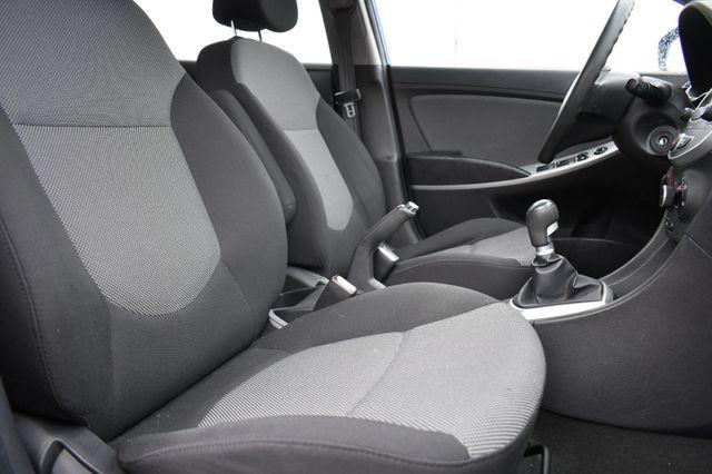 2012 Hyundai Accent 5-Door GS Naugatuck, Connecticut 10