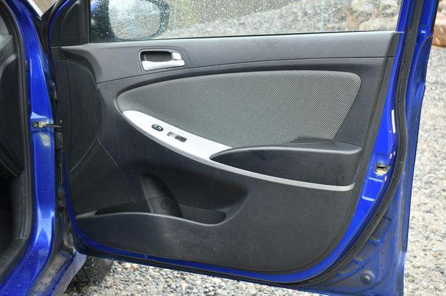 2012 Hyundai Accent 5-Door GS Naugatuck, Connecticut 12