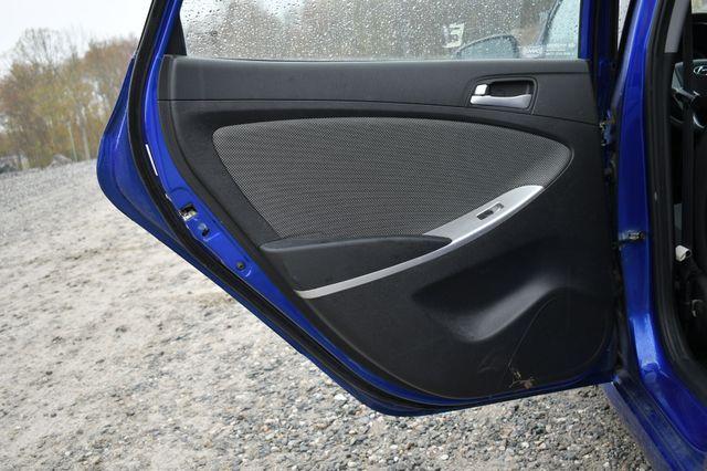 2012 Hyundai Accent 5-Door GS Naugatuck, Connecticut 15