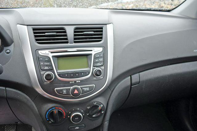 2012 Hyundai Accent 5-Door GS Naugatuck, Connecticut 18