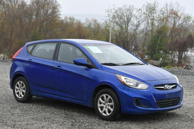 2012 Hyundai Accent 5-Door GS Naugatuck, Connecticut 8