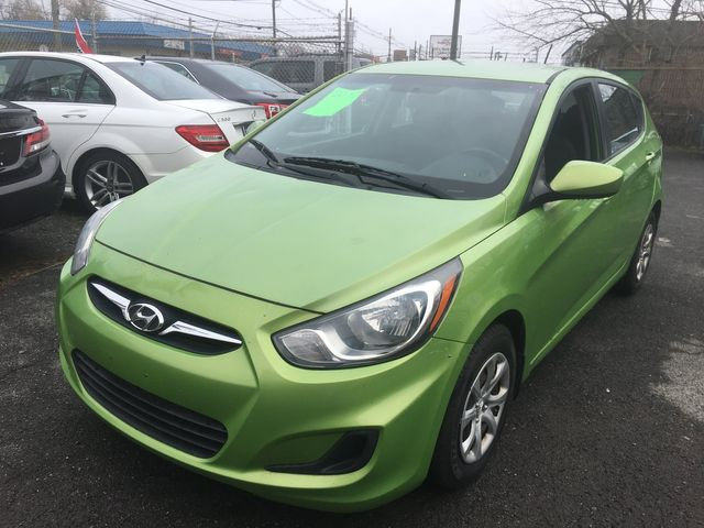 2012 Hyundai Accent 5-Door GS New Brunswick, New Jersey 1