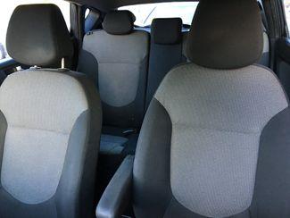 2012 Hyundai Accent 5-Door GS New Brunswick, New Jersey 14