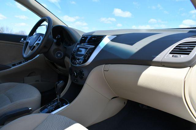 2012 Hyundai Accent GLS Naugatuck, Connecticut 11