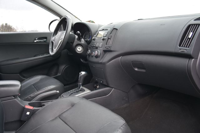 2012 Hyundai Elantra Touring SE Naugatuck, Connecticut 8