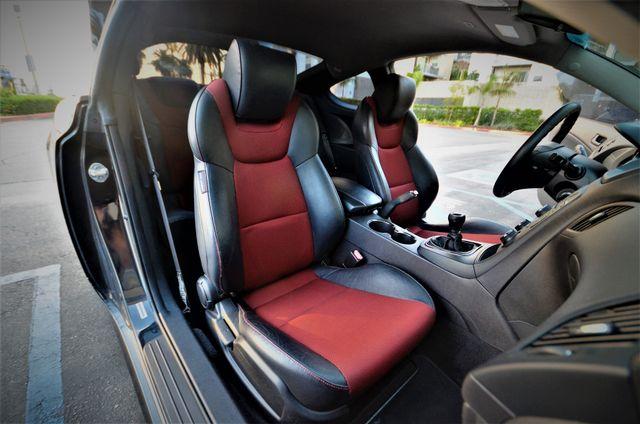 2012 Hyundai Genesis Coupe 2.0T R-Spec Reseda, CA 31