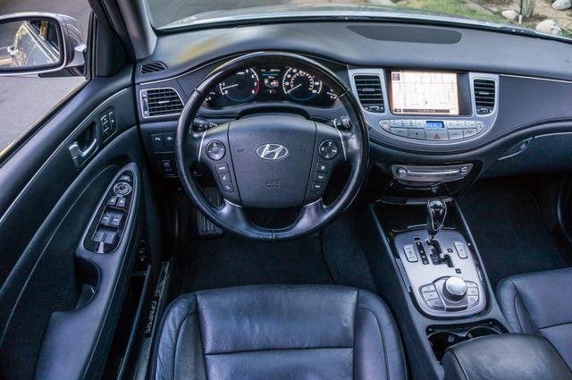 2012 Hyundai Genesis 4.6L Reseda, CA 19