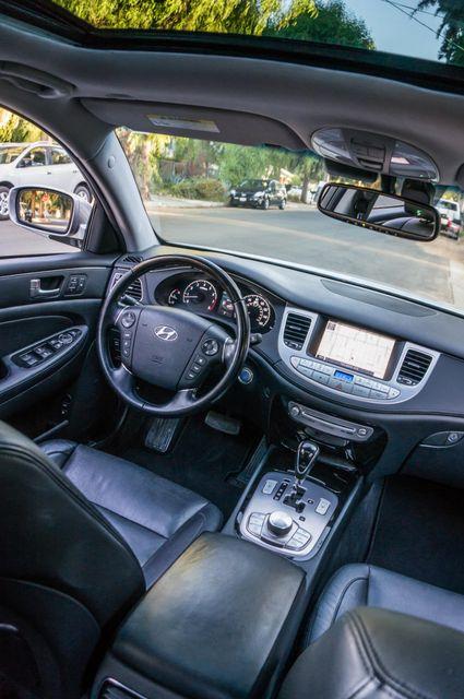2012 Hyundai Genesis 4.6L Reseda, CA 39