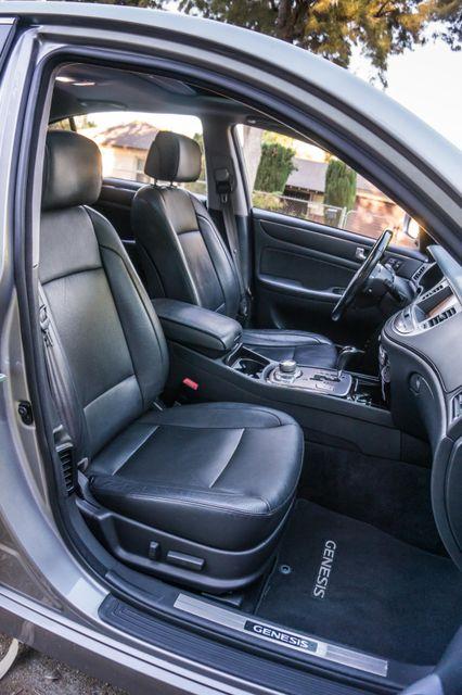 2012 Hyundai Genesis 4.6L Reseda, CA 35
