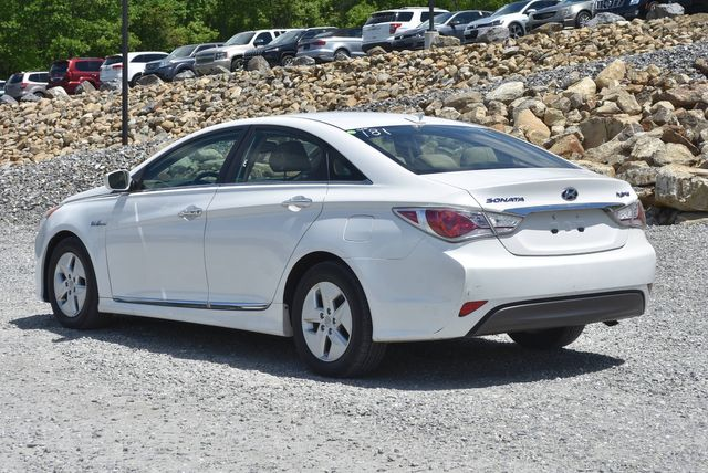 2012 Hyundai Sonata Hybrid Naugatuck, Connecticut 2
