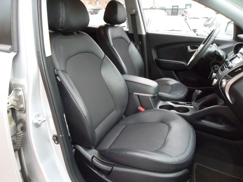 2012 Hyundai Tucson GLS PZEV  city New  Father  Son Auto Corp   in Lynbrook, New