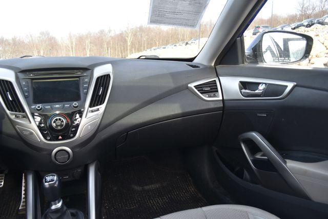 2012 Hyundai Veloster Naugatuck, Connecticut 13