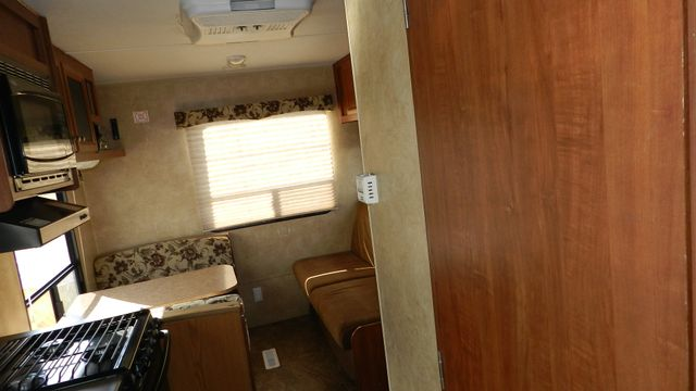 2012 Jayco SWIFT 198 RD Hudson , Florida 5