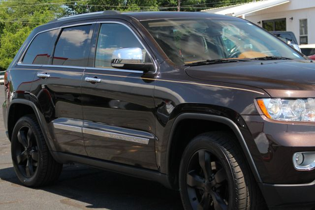 2012 Jeep Grand Cherokee Overland Summit 4x4 - 5.7L HEMI - NAV - SUNROOFS! Mooresville , NC 26