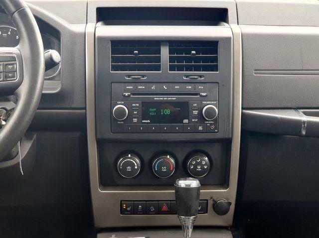 "2012 Jeep Liberty Sport Latitude 4WD V6 w/Leather/Sunroof/18"" Alloys in Louisville, TN 37777"
