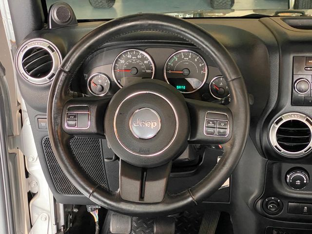 2012 Jeep Wrangler Rubicon 6 Speed manual in Jacksonville , FL 32246