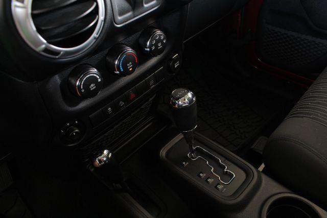 2012 Jeep Wrangler Rubicon 4X4 - POWER PKG - BLUETOOTH! Mooresville , NC 36