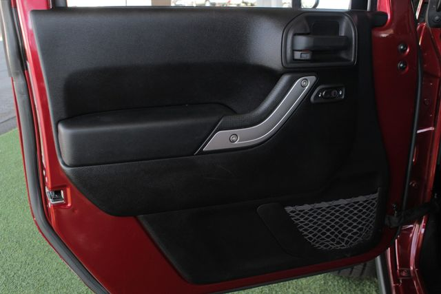 2012 Jeep Wrangler Rubicon 4X4 - POWER PKG - BLUETOOTH! Mooresville , NC 40