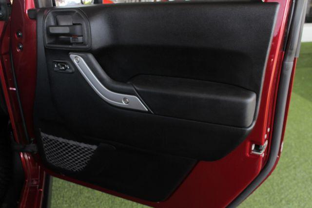 2012 Jeep Wrangler Rubicon 4X4 - POWER PKG - BLUETOOTH! Mooresville , NC 41