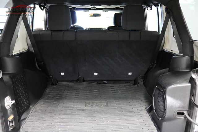 2012 Jeep Wrangler Unlimited Sahara Merrillville, Indiana 26