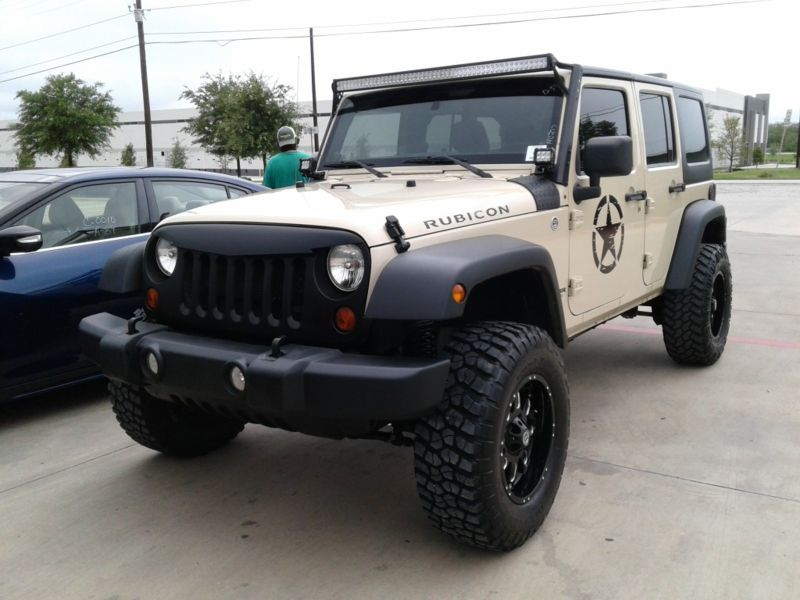2012 Jeep Wrangler Unlimited Rubicon Lifted Auto Hard Top